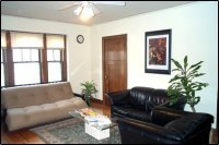 Large 1 BR (and 2 BR) Avail 9/1; 3-4 blocks to the U!