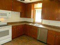 BEAUTIFUL UNIT IN SIDE BY SIDE DUPLEX IN HIGHLY DESIRABLE COMO PARK, PRIVATE LAUNDRY